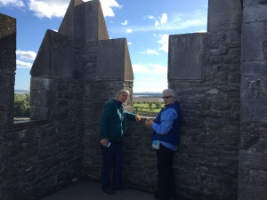 2 ladies on the roof of Bunratty